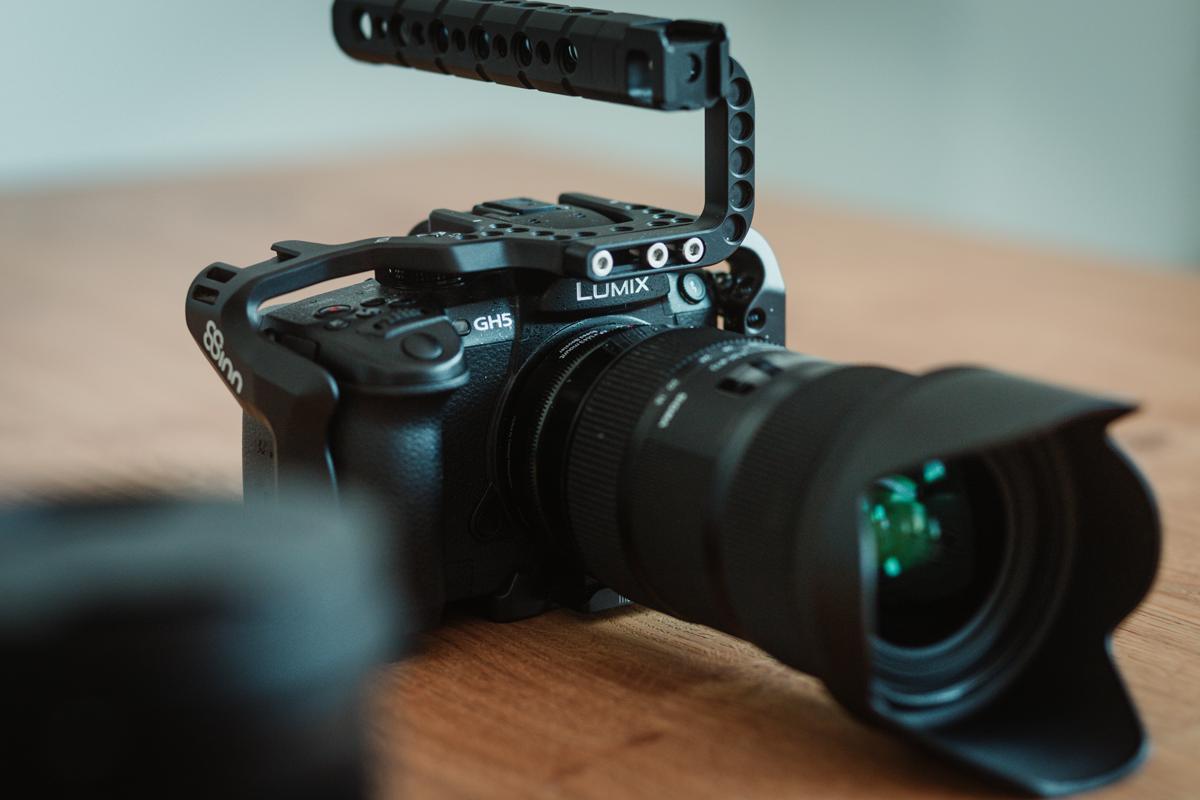 Camera Rig - ermöglicht flexible Befestigungsmöglichkeiten an der Kamera.